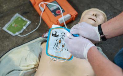 RCP et utilisation du défibrillateur